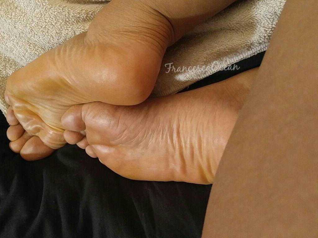 feet - Large soles